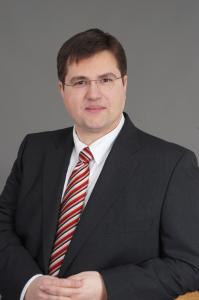 Rechtsanwalt Anton Josov Telefon: 040 - 59 35 12 66 Fax: 040 - 53 00 83 95 E-Mail: josov@wtnet.de Steintorweg 4 20099 Hamburg